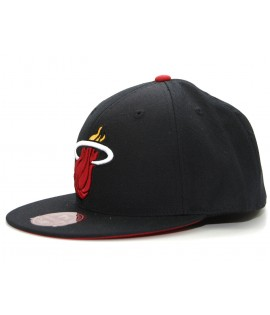 MITCHELL & NESS Miami HEAT Noir Logo